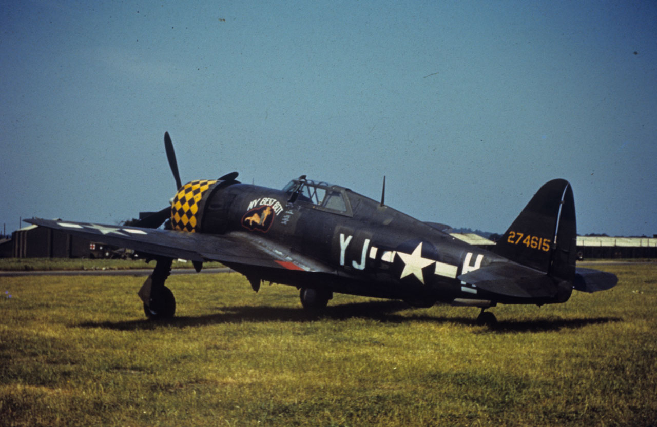 republic p 47 thunderbolt gallery wings tracks guns. Black Bedroom Furniture Sets. Home Design Ideas